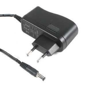12V 1,5A Adapter (2,5/2,1mm Jack)