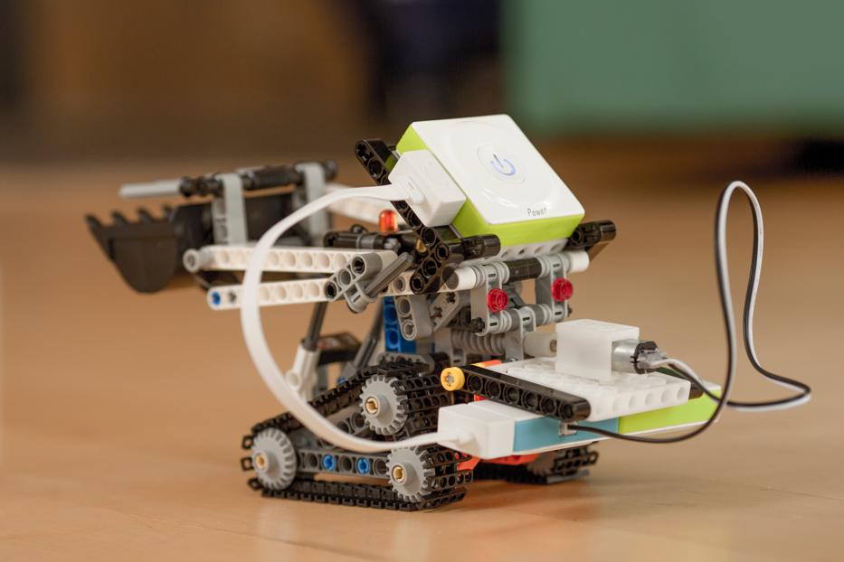 makeblock neuron inventor kit ve lego parçalarıyla yapılan robot projesi