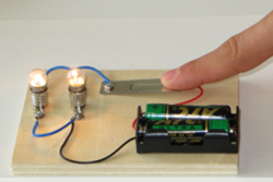 Electric Experiment Set - Thumbnail
