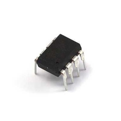MAX813 - DIP8 IC