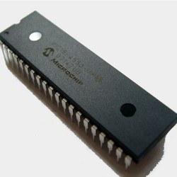 Microchip - PIC 18F4550 - DIP40